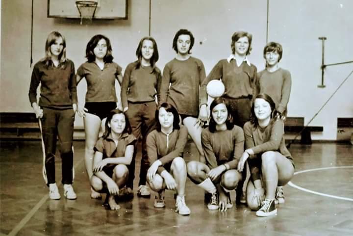 rk-piran_1974_rokomet_telovadnica